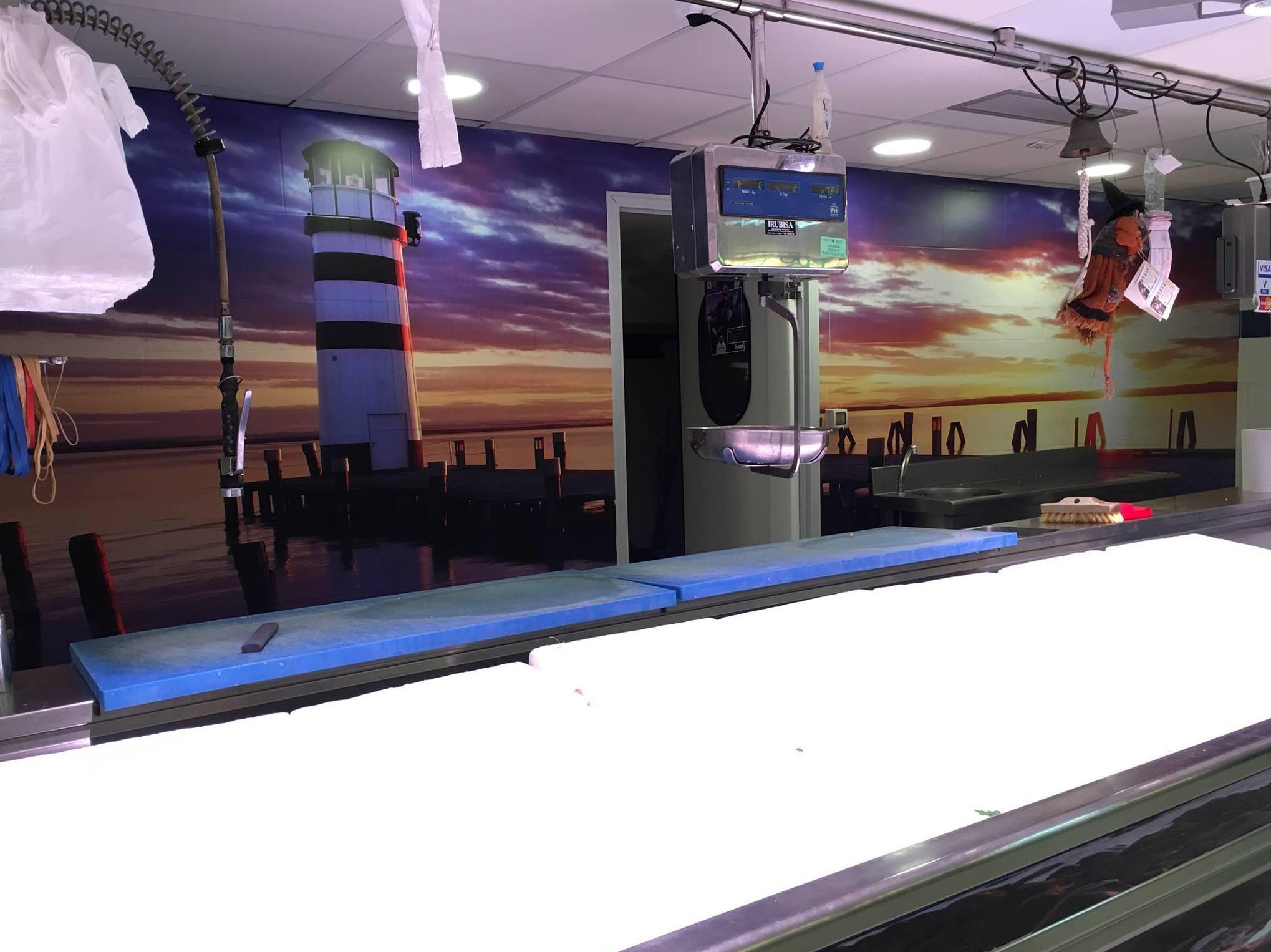 Diseño, impresión y colocación de vinilos para negocios en Bilbao