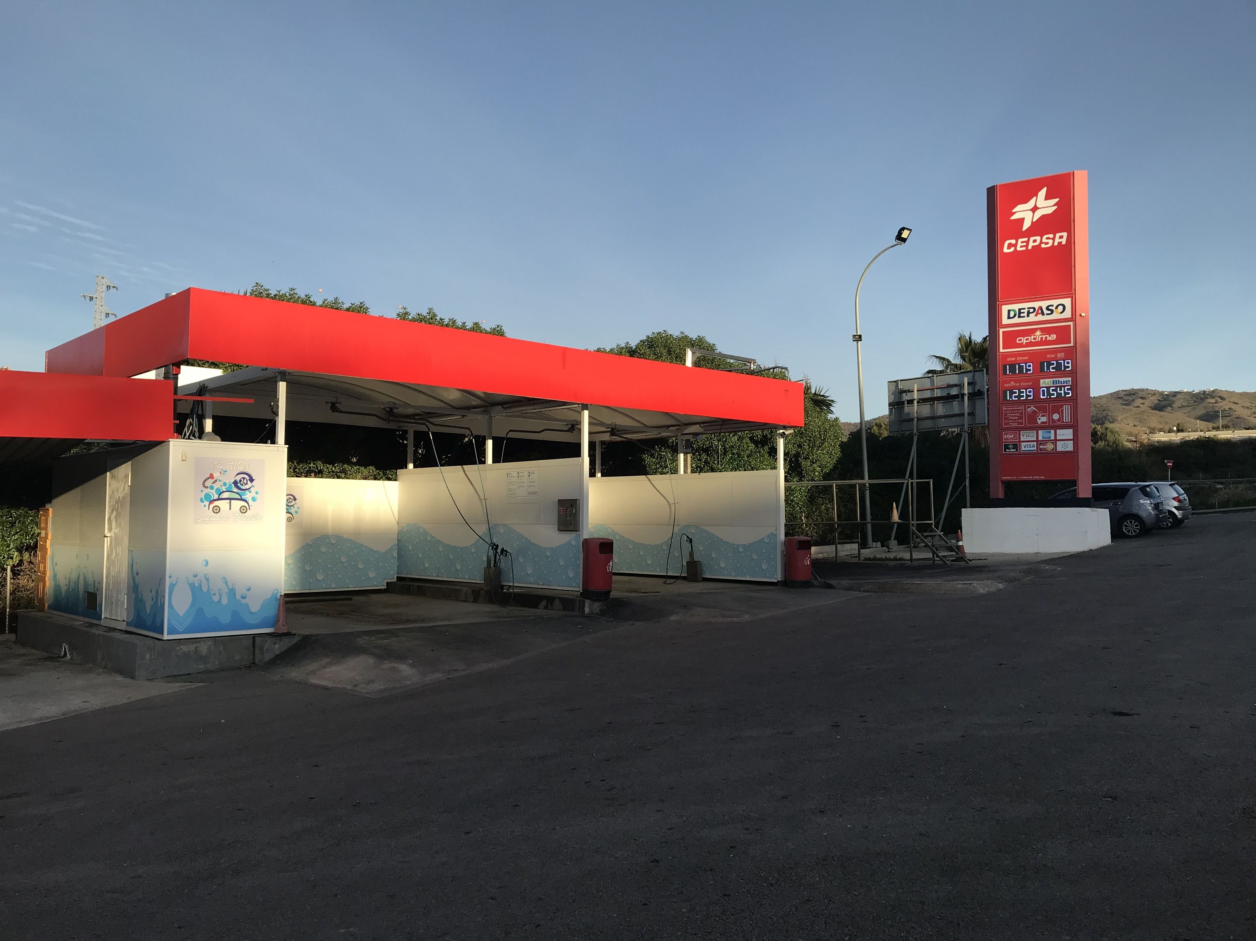 Boxes para el lavado a presión de coches en Cepsa Cajiz