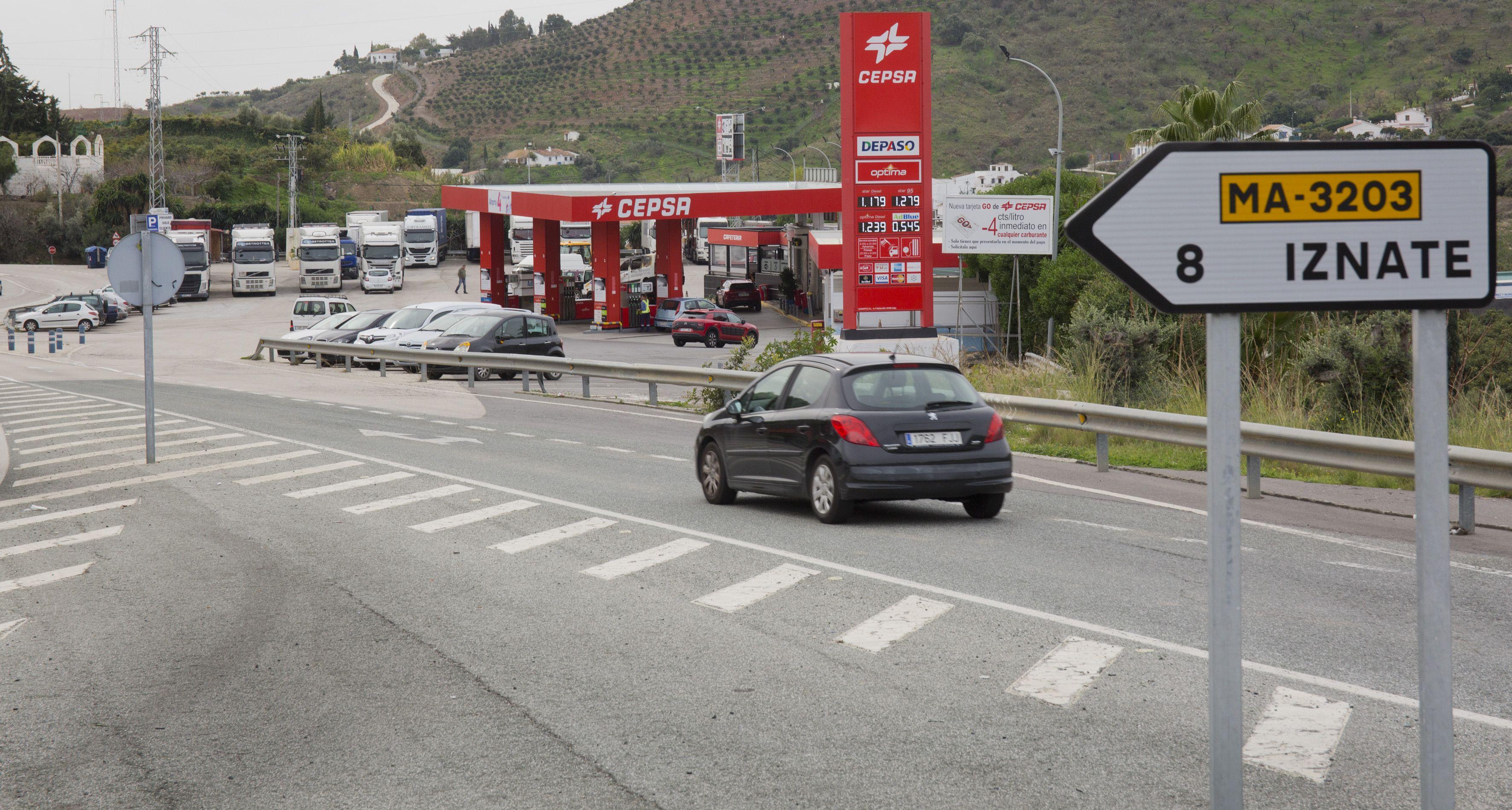 Parking abierto 24 horas en Cepsa Cajiz
