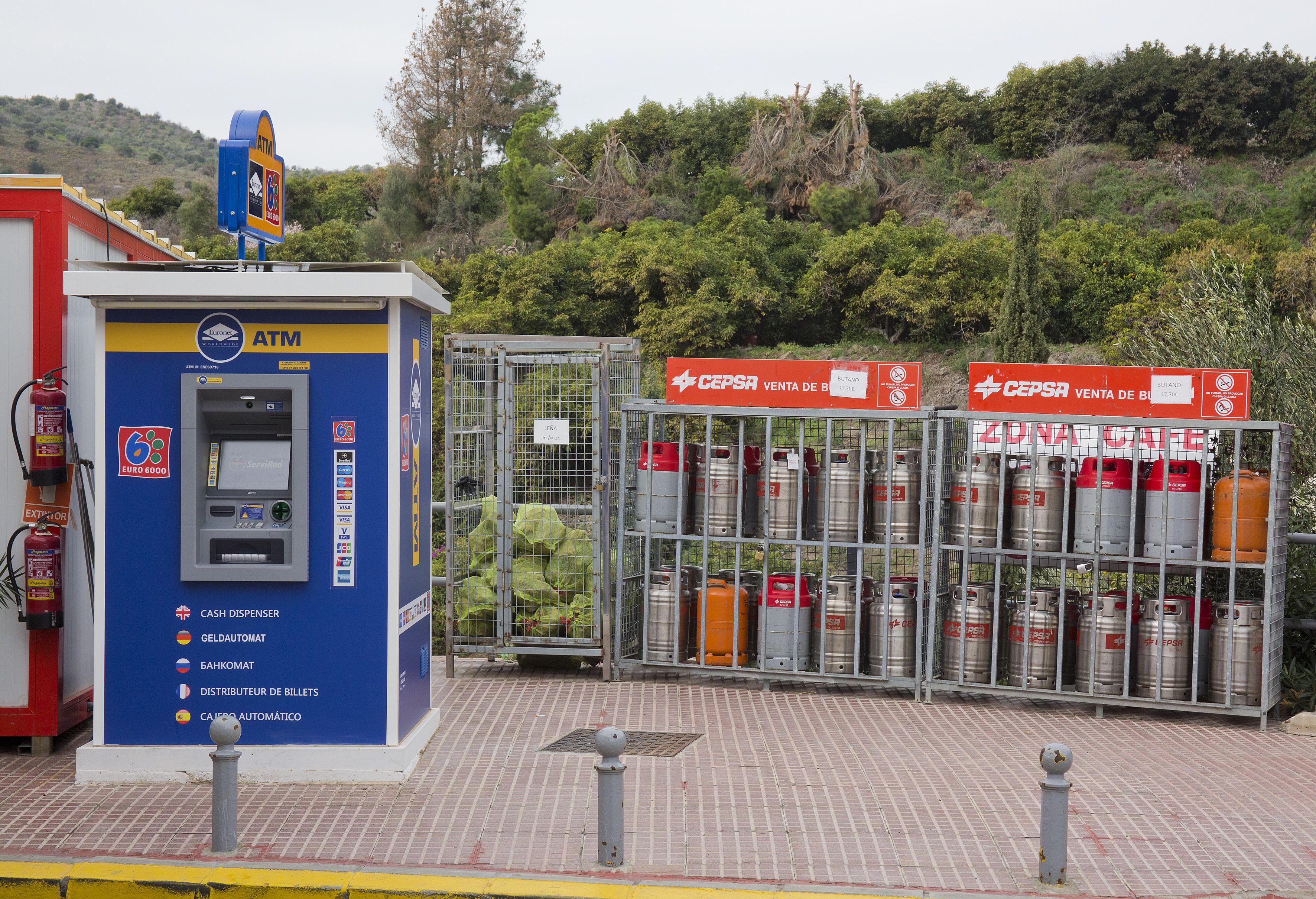 Estación de servicio Cepsa Cajis con completos servicios
