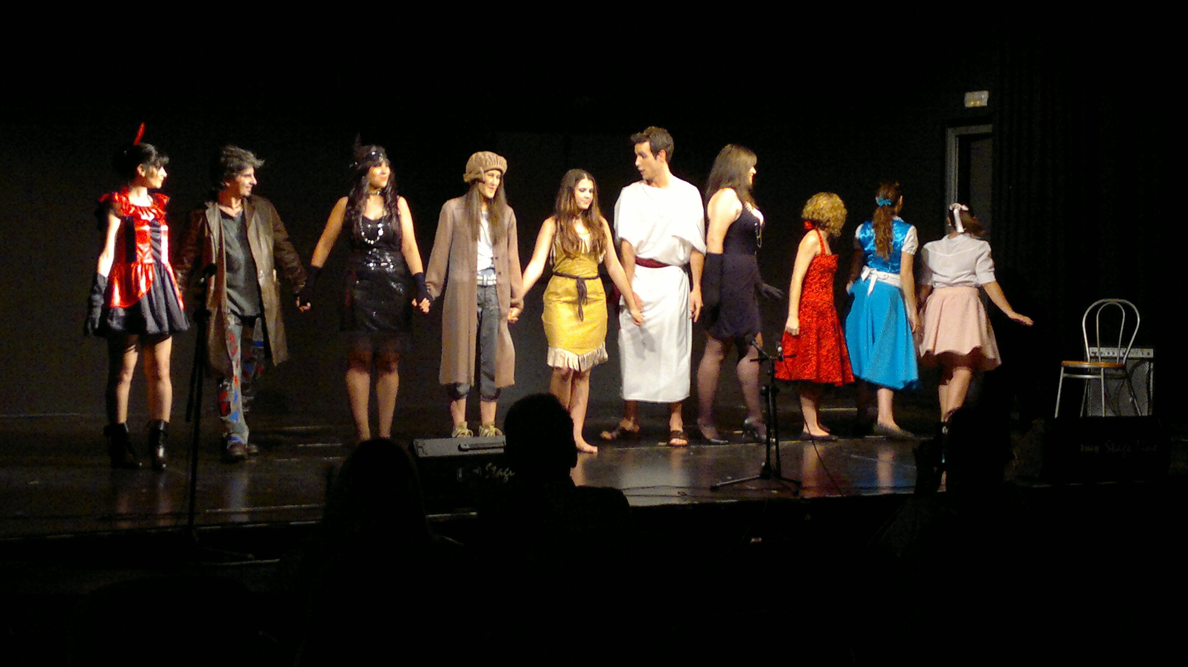TEATRO Y COMEDIA MUSICAL