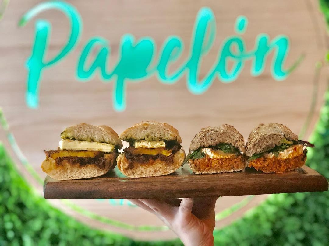 ¡Ven a probar nuestros bocadillos gourmet!