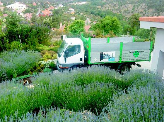 Transporte de eridos  Robledo de Chavela - Madrid http://www.hermanosmanzanojardines.es/es/