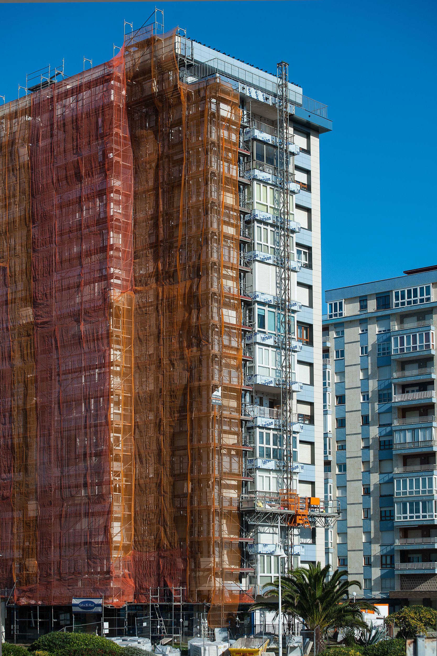 Reforma de fachadas en Mieres, Asturias