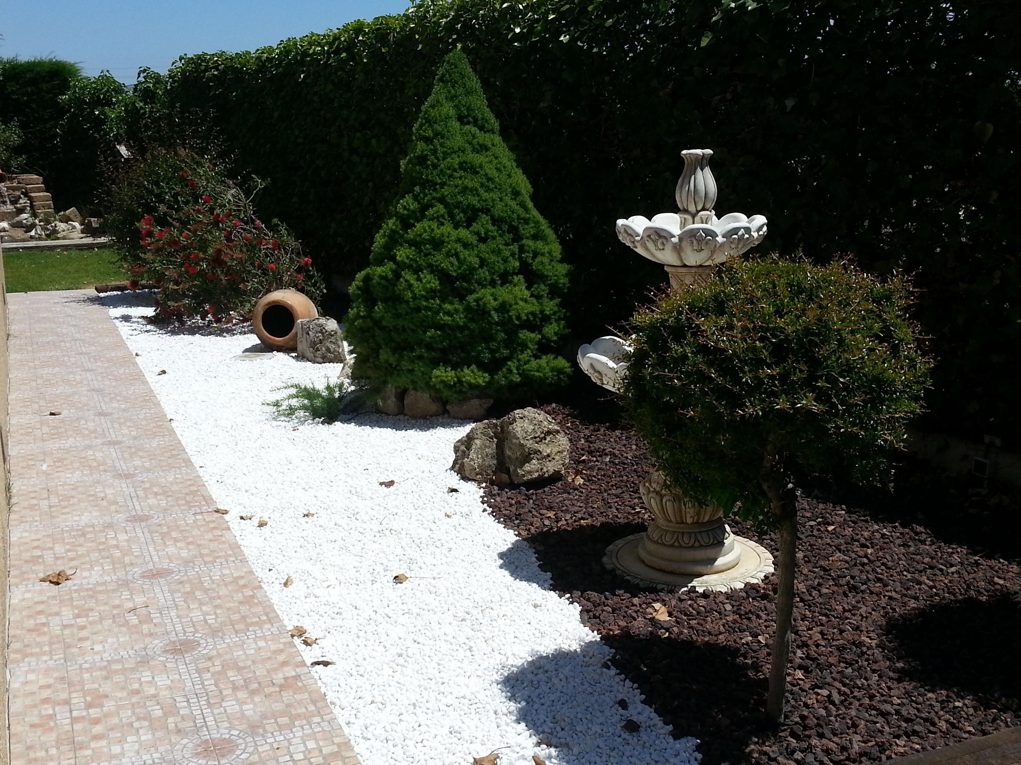 DISEÑO DE JARDINES: Servicios  de Jardineria El Campillo