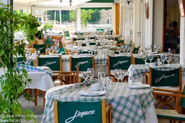 Restaurante con terraza frente al puerto de Mahón