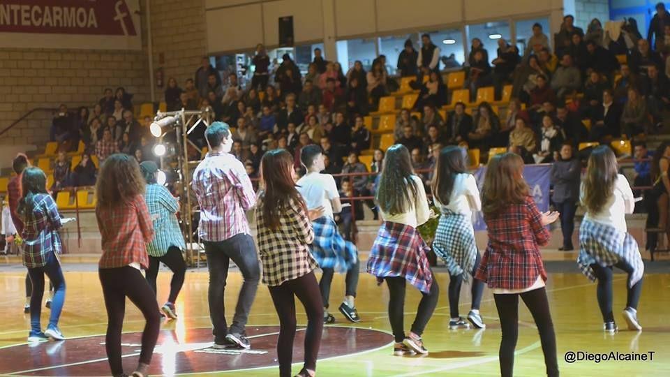 Baile moderno: Servicios de Animación sociocultural Nydia