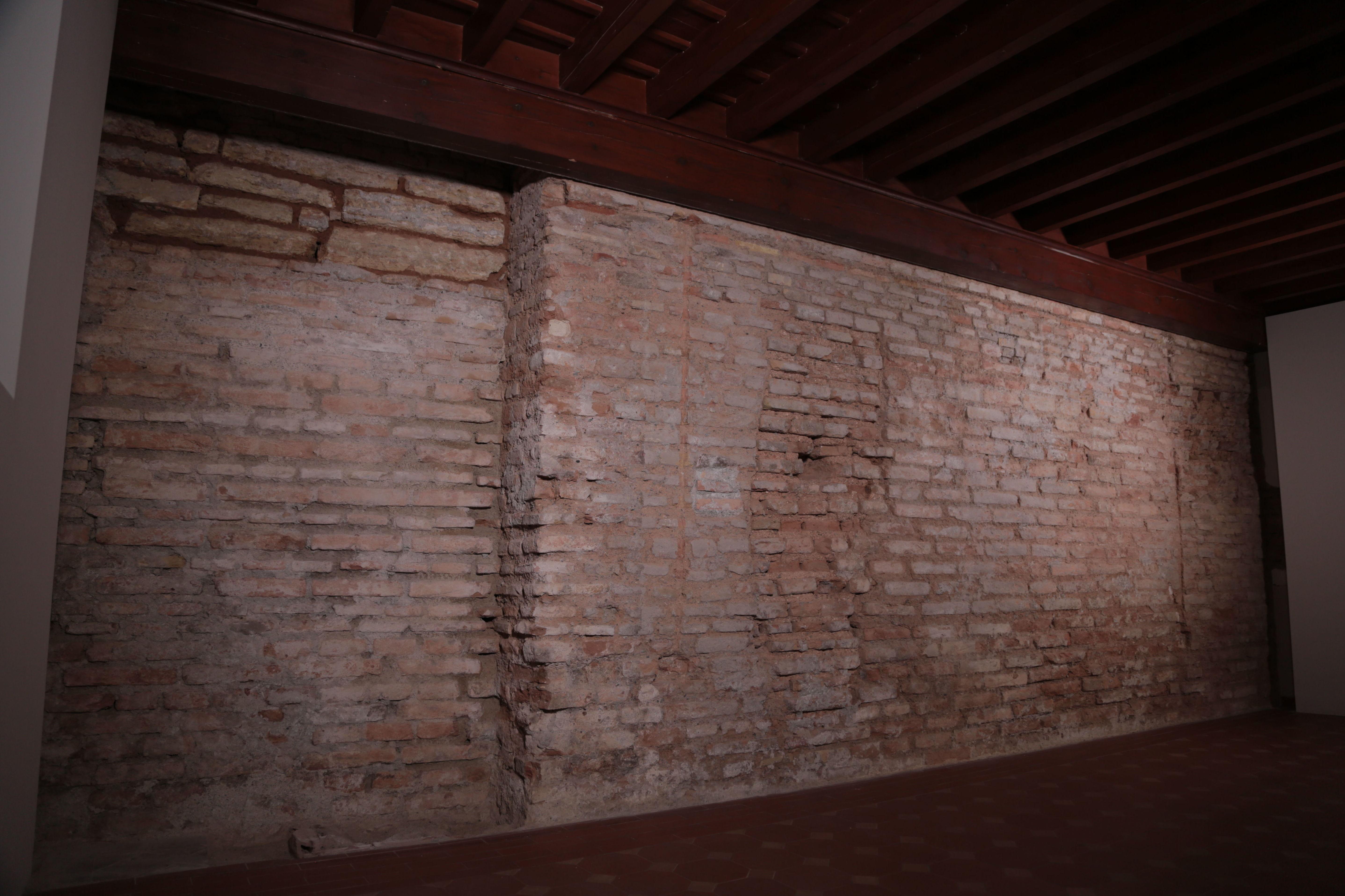 OBRA DE ADAPTACIÓN DEL EDIFICIO ANEXO A LOS BAÑOS DE LA MEZQUITA DE LA ALHAMBRA PARA ESPACIO EXPOSITIVO Y MUSEOGRAFÍA DEL LEGADO DE LA FAMILIA BARRIOS