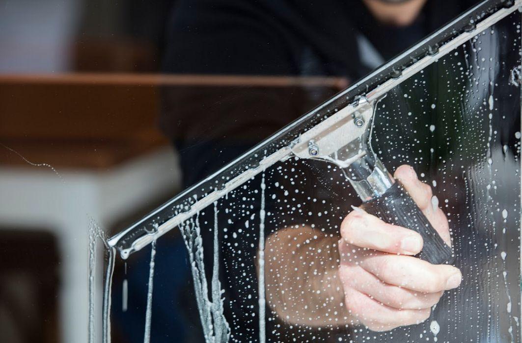 Limpieza de cristales en Santa Pola