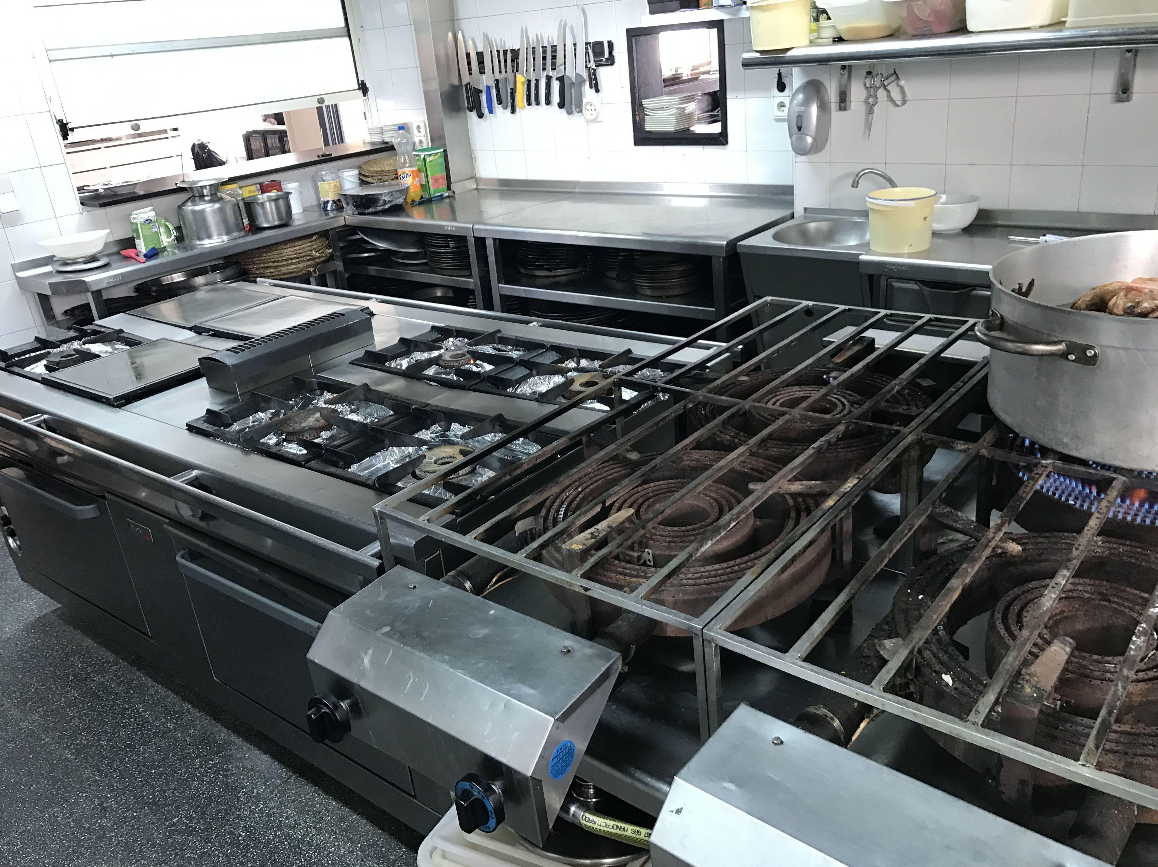Instalación de equipamiento para cocina en Alicante