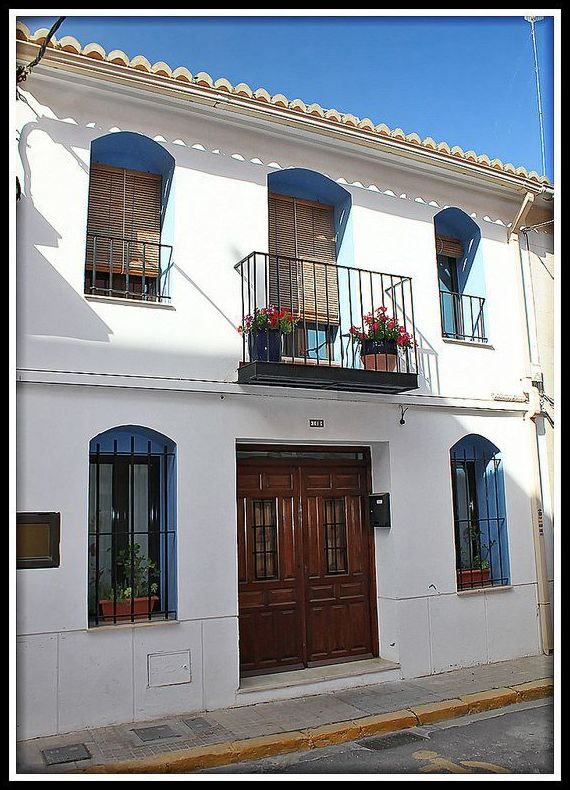 Casa Jorge. Rehabilitación de vivienda tradicional en Puerto de Sagunto.