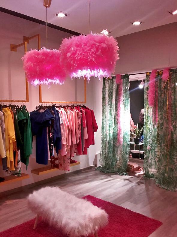 Glitter.  Tienda de moda en Av. 9 de octubre nº 80 de Puerto Sagunto (Valencia). Proyecto DAU arquitectos