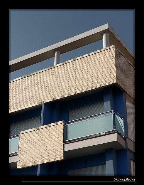 Edificio Roure. Edificio de viviendas en Puerto de Sagunto.