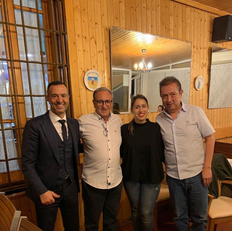 Enrique y Ana, junto a  Peter Lim y Jorge Mendez
