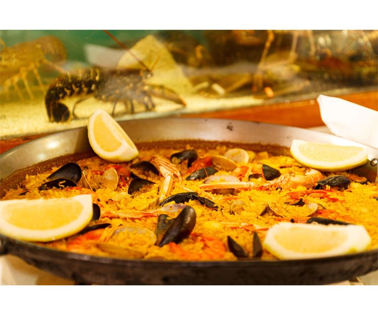 Wide selection of paellas