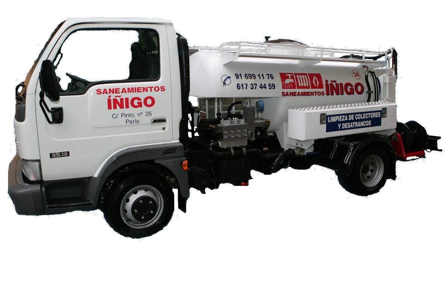 Camión desatranco de Saneamientos Iñigo