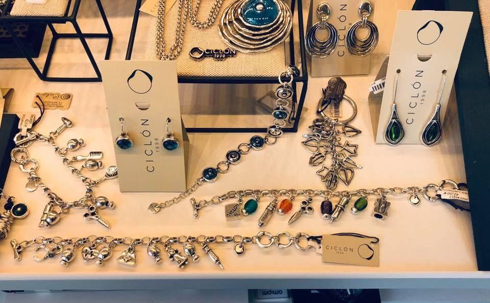 Tienda con gran variedad de joyas y regalos en Madrid