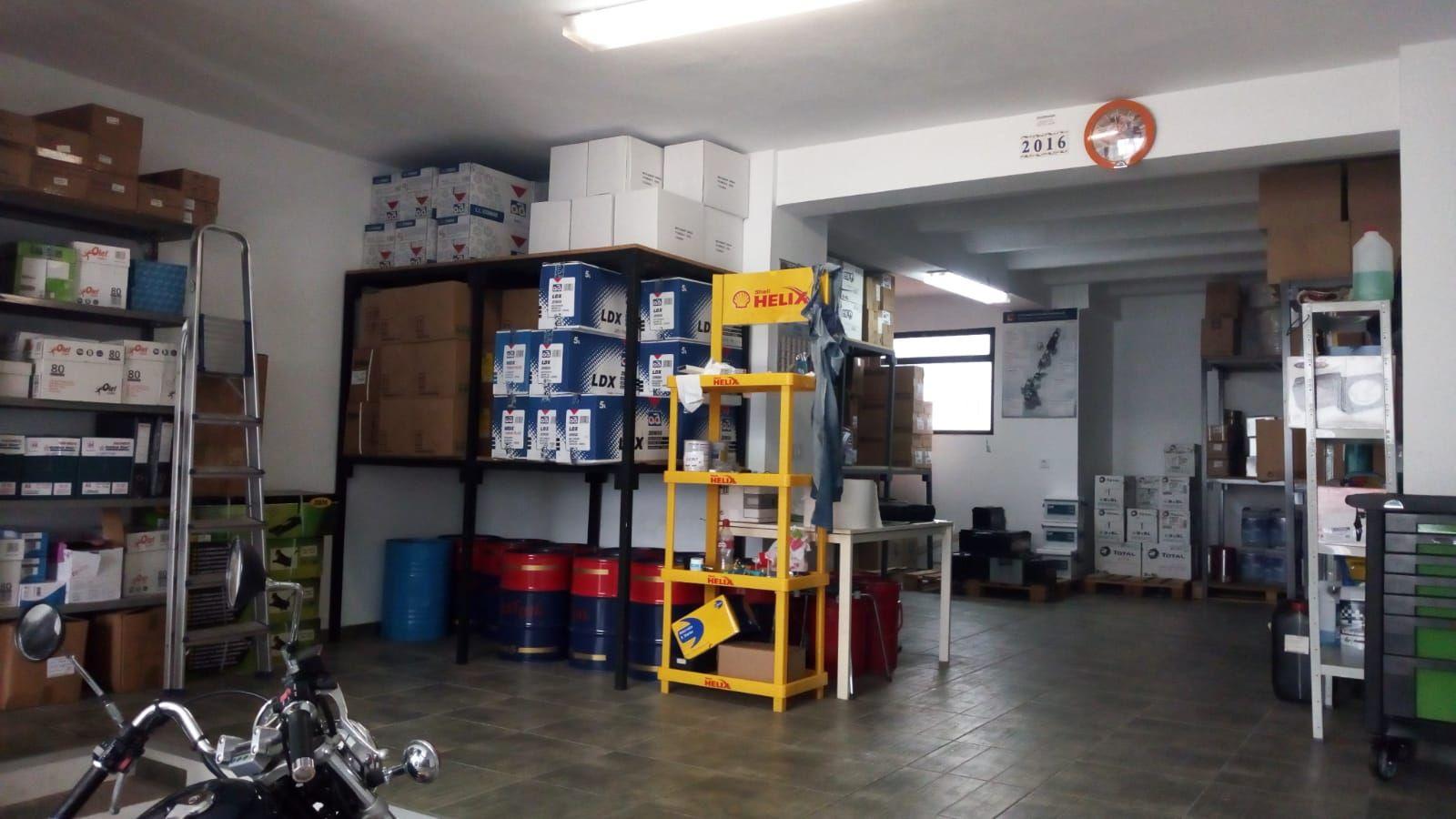 Recambios y herramientas para taller en Cortegana
