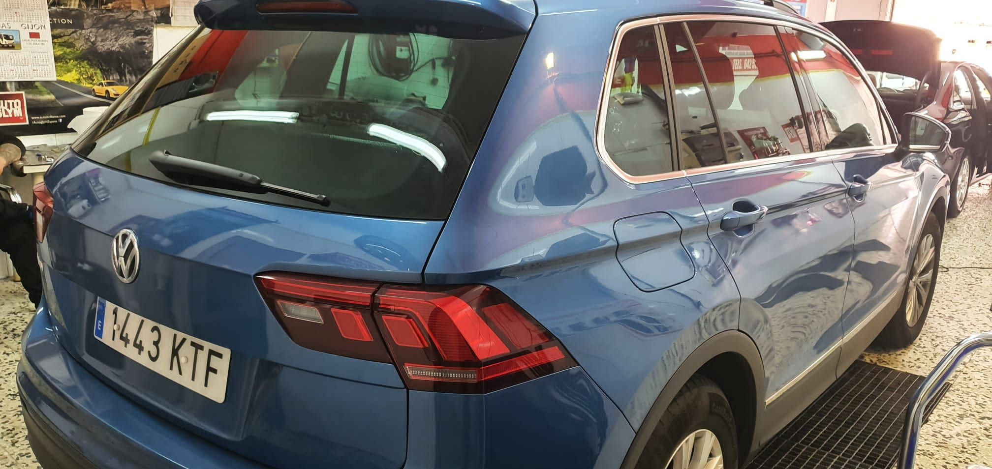 Foto 6 de Cristalería del automóvil en  | Tintado de Lunas Asturias