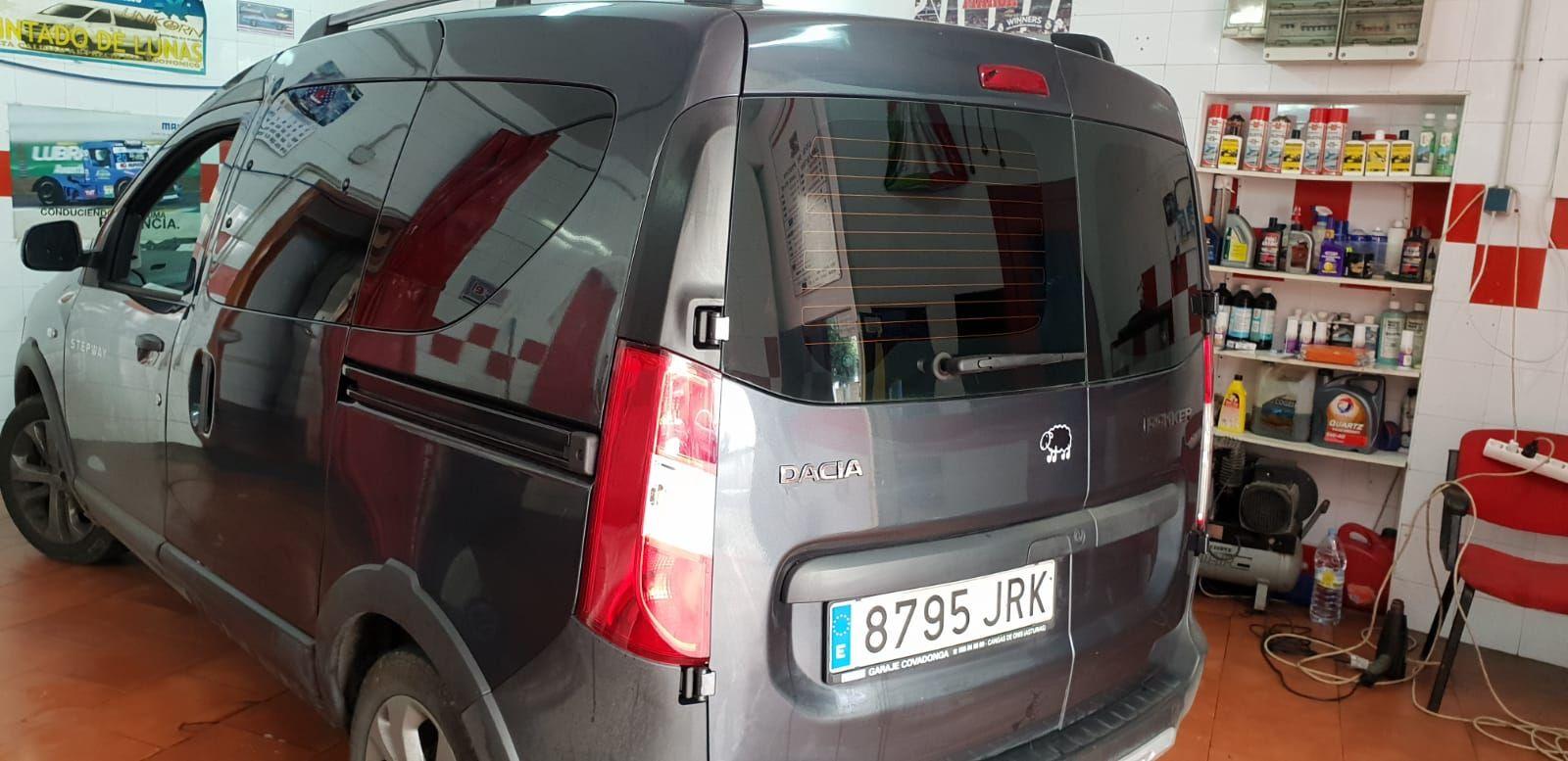 Foto 1422 de Cristalería del automóvil en    Tintado de Lunas Asturias