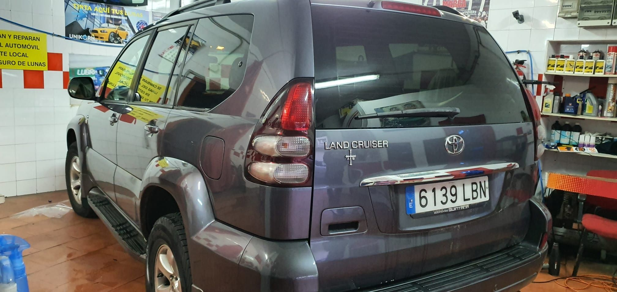 Foto 76 de Cristalería del automóvil en  | Tintado de Lunas Asturias