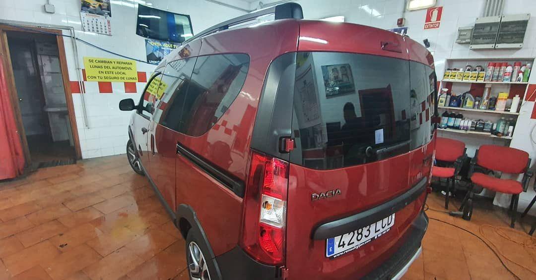 Foto 61 de Cristalería del automóvil en  | Tintado de Lunas Asturias