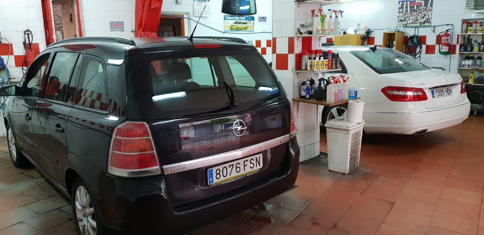 Foto 905 de Cristalería del automóvil en Gijón | Tintado de Lunas Asturias