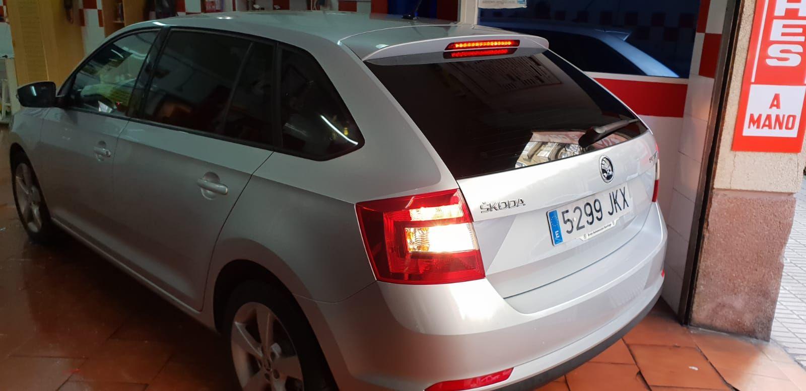 Foto 888 de Cristalería del automóvil en  | Tintado de Lunas Asturias
