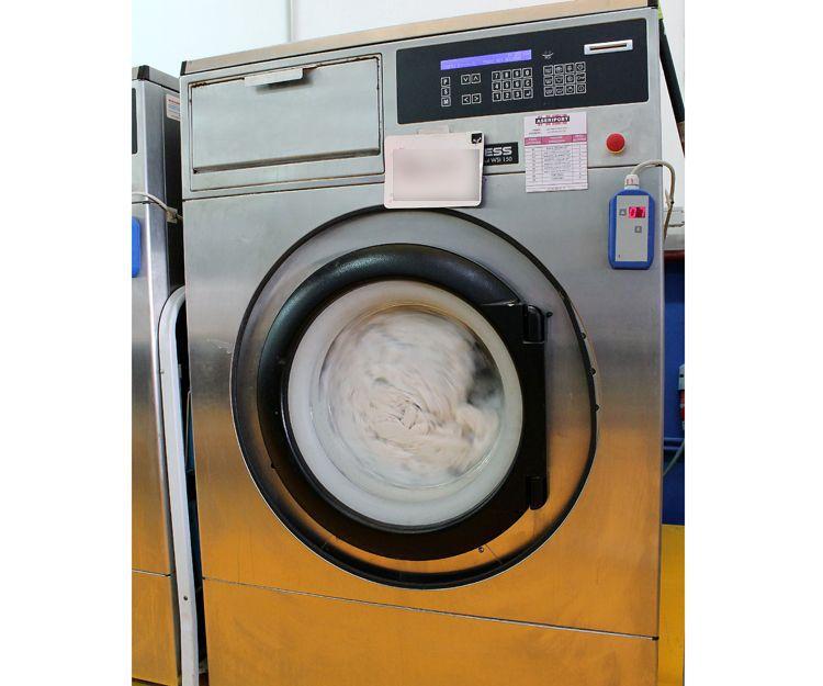 Limpieza exhaustiva de ropa para el sector hostelero en Guadalajara
