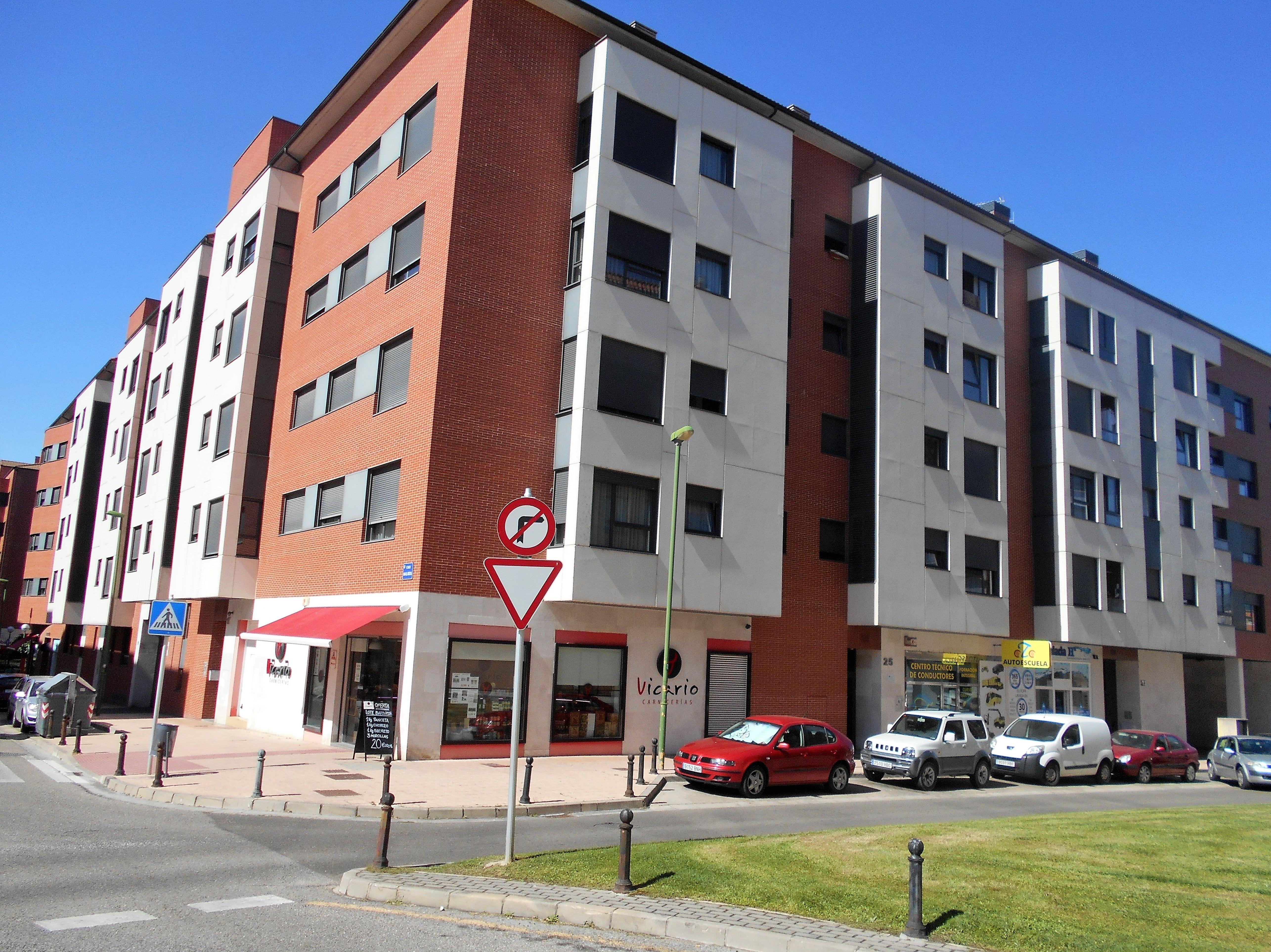 Venta Pisos - Calle San Zadornil: Venta y alquiler de inmuebles de Inmobiliaria Renedo