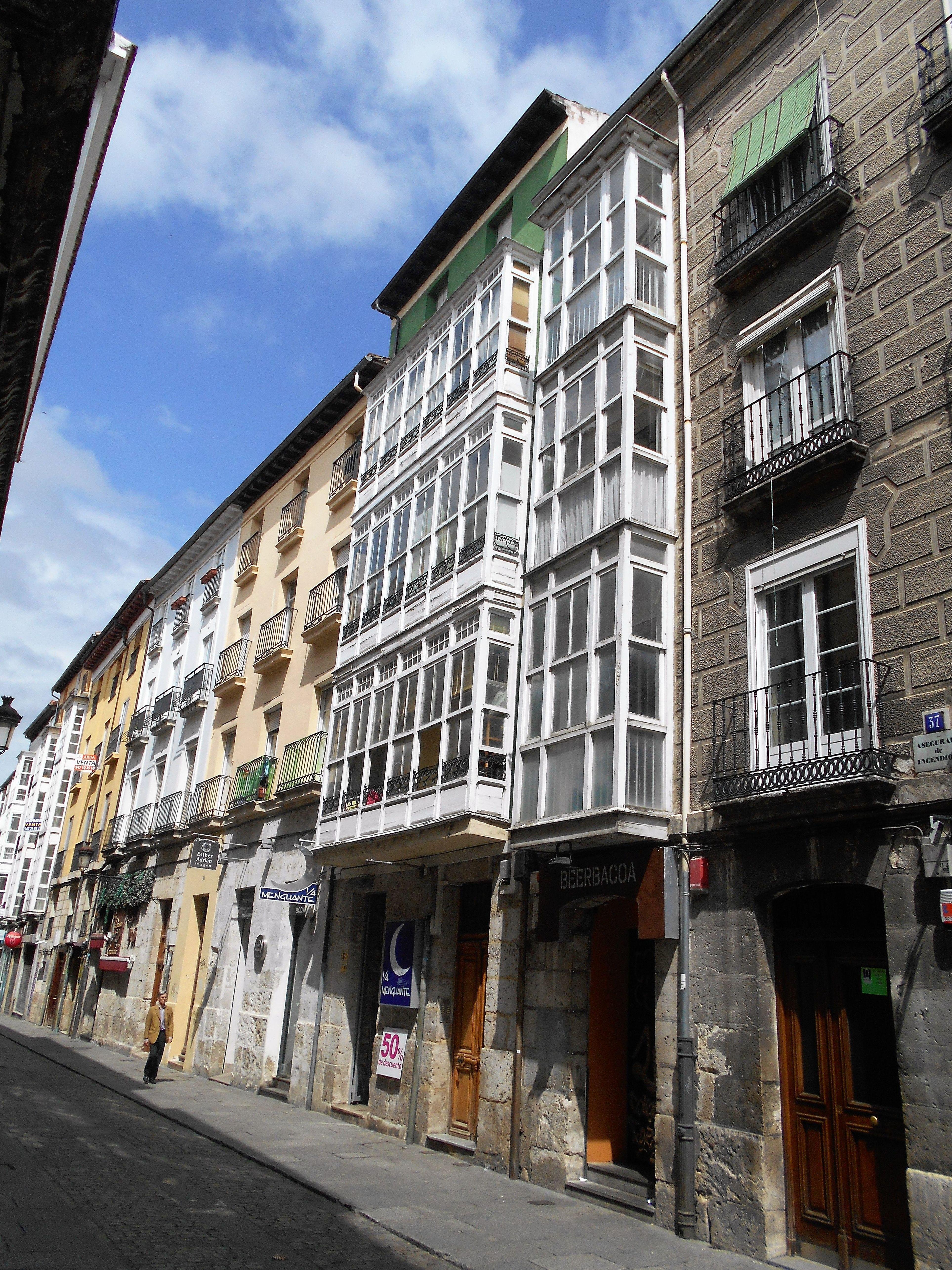 Piso Calle San Juan: Venta y alquiler de inmuebles de Inmobiliaria Renedo