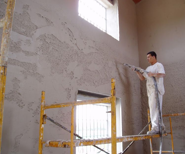 Trabajos de proyección de yeso en Écija