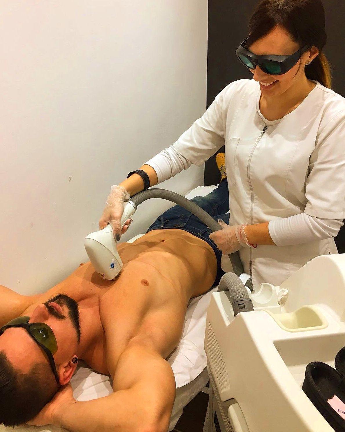 Foto 4 de Centro especializado en tratamientos de medicina estética en  | Beverly Centers
