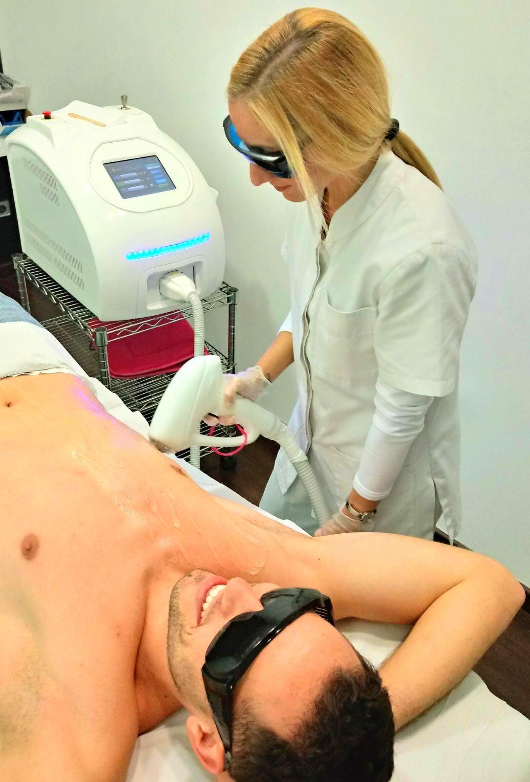 Foto 3 de Centro especializado en tratamientos de medicina estética en  | Beverly Centers