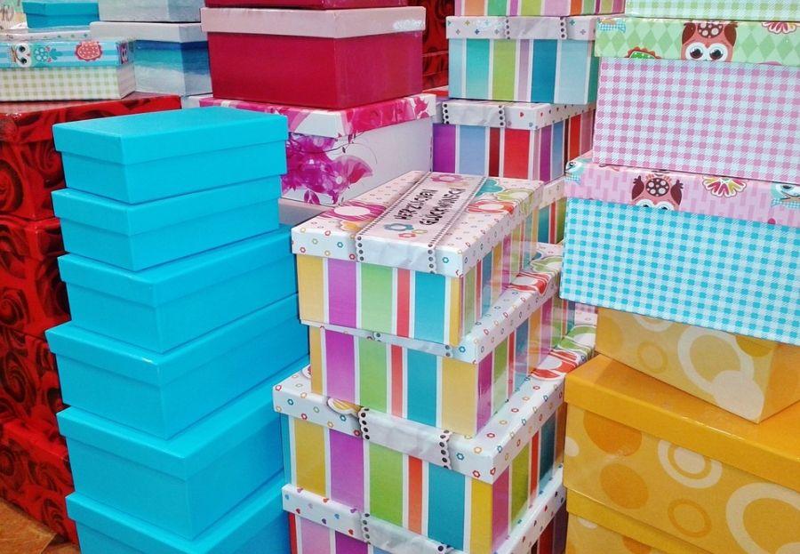 Cajas de cart n en madrid centro sobre un envase for Cajas de carton madrid
