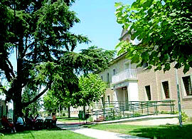 Foto 2 de Residencias geriátricas en Milagro | Complejo Residencial El Pinar