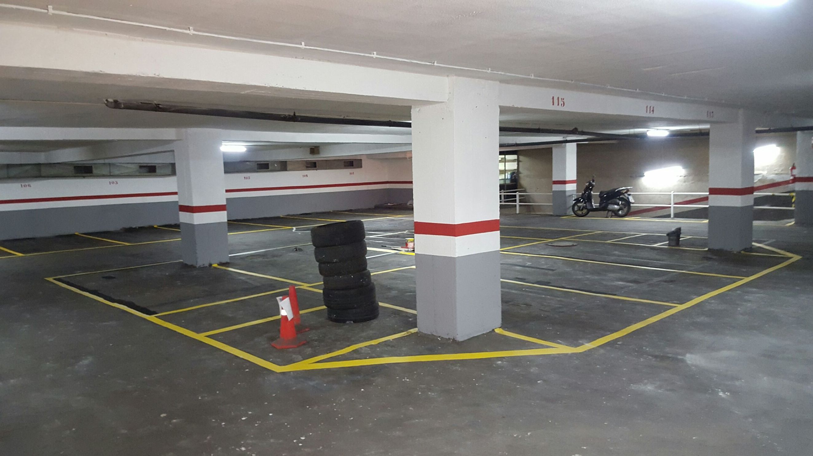 Parking Corcega 54-56