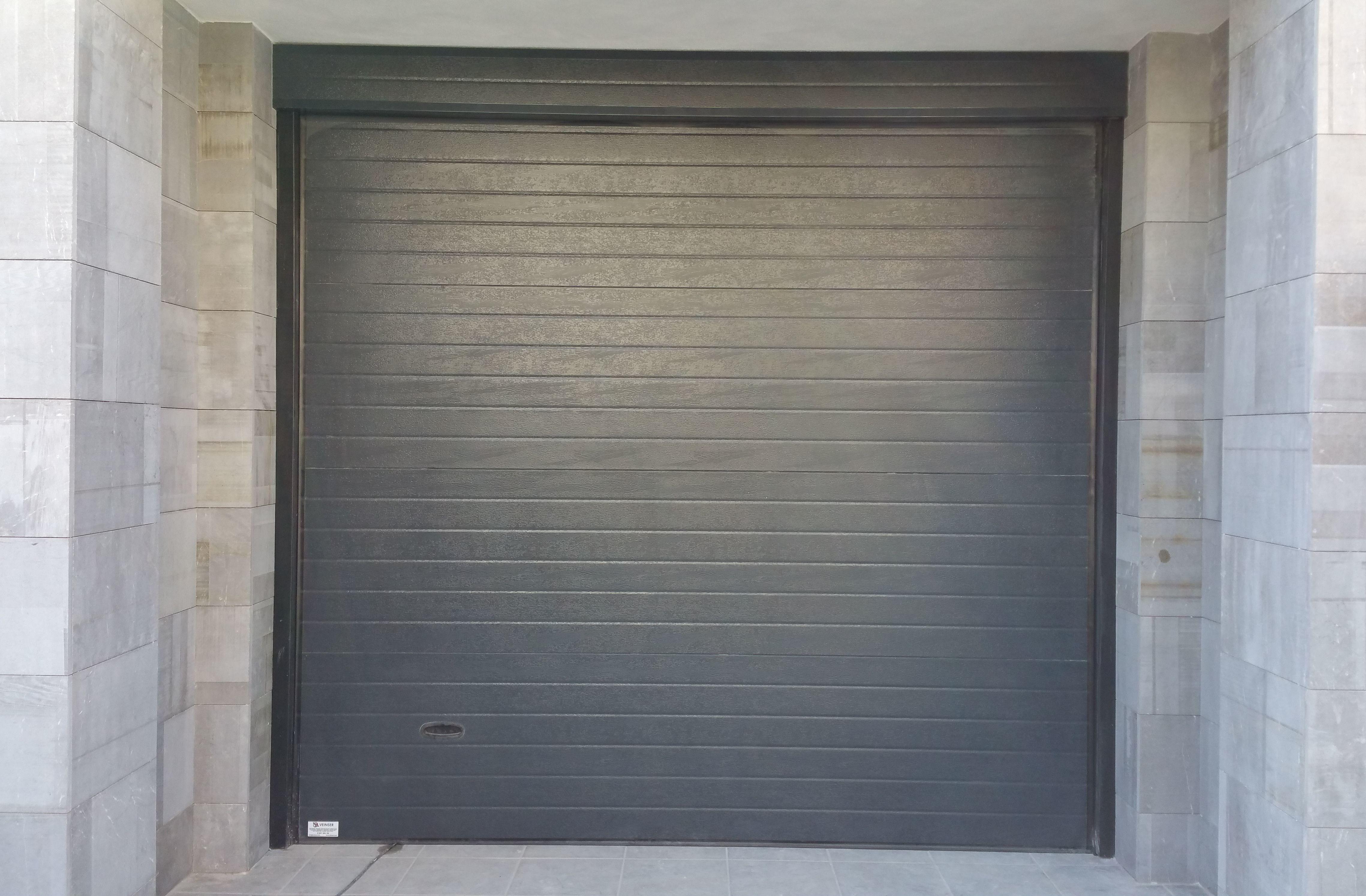 Foto 3 de Puertas automáticas en Churriana de la Vega | Veinser Automatismos