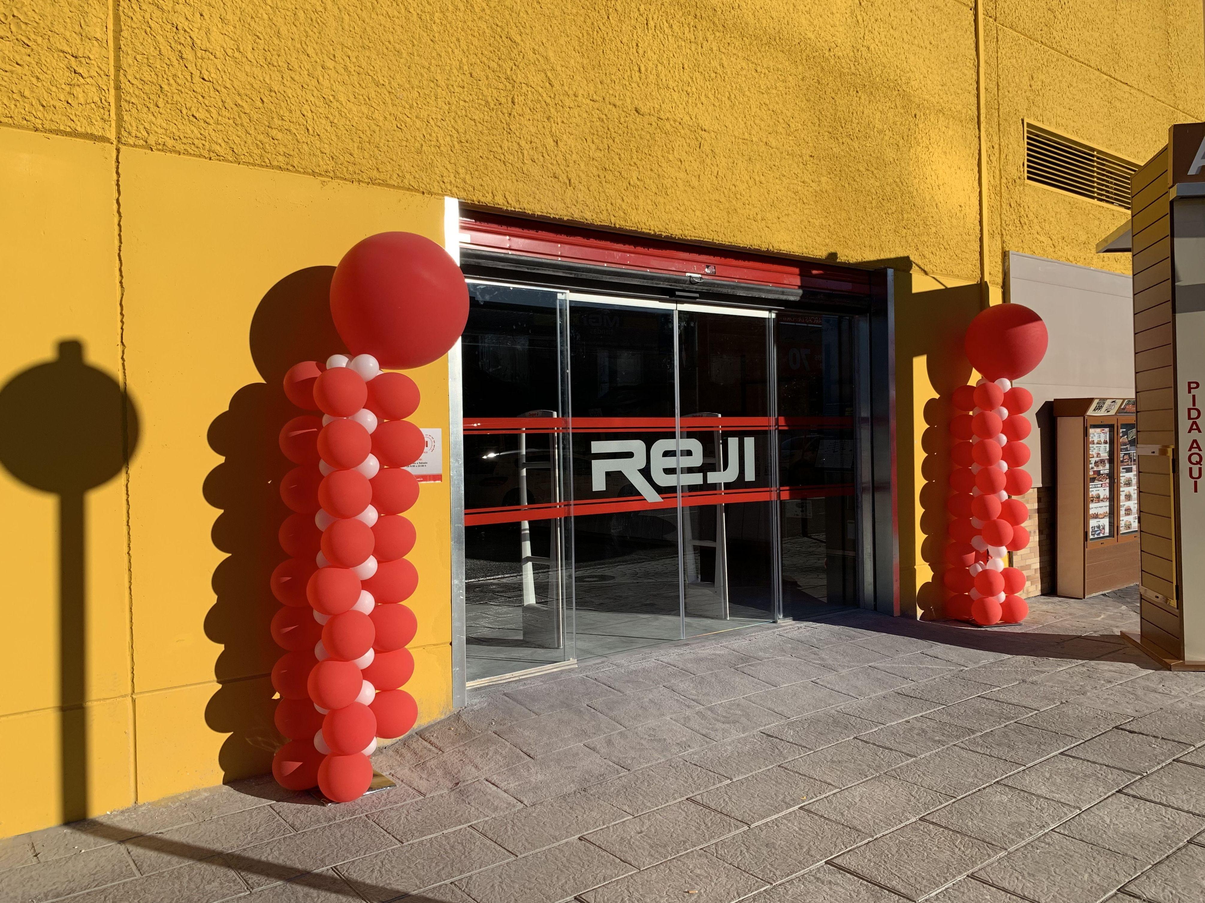 Foto 2 de Puertas automáticas en Granada | Veinser