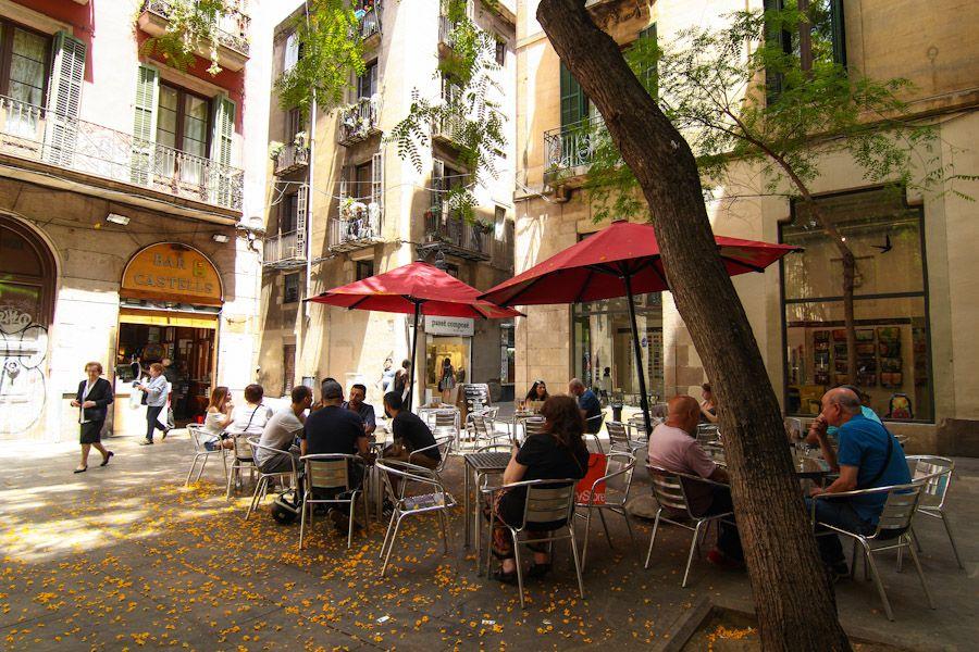 Bar de tapas con amplia terraza