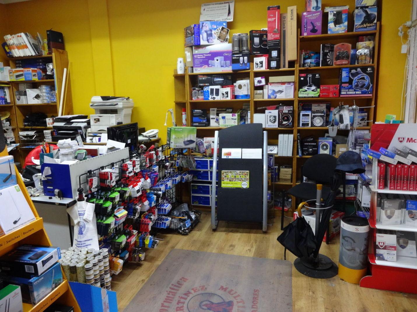 Interior tienda zona tintas