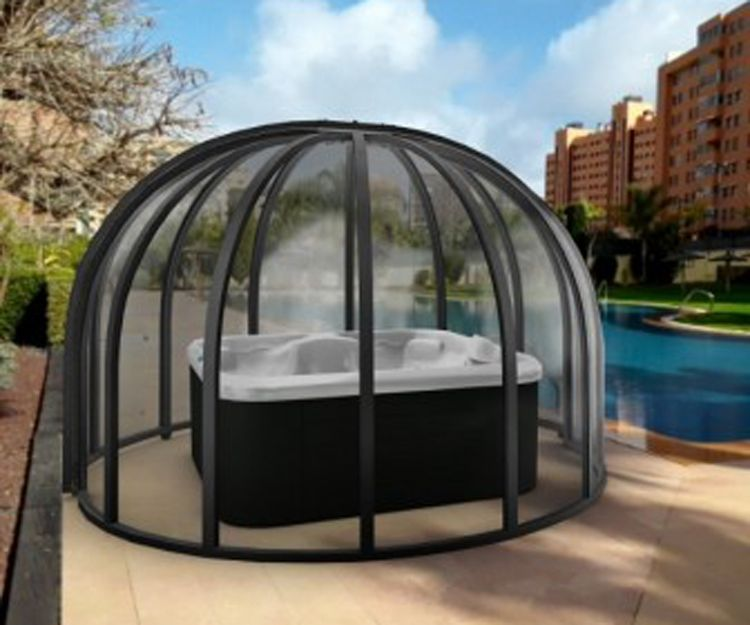 Round spa enclosure in Alicante