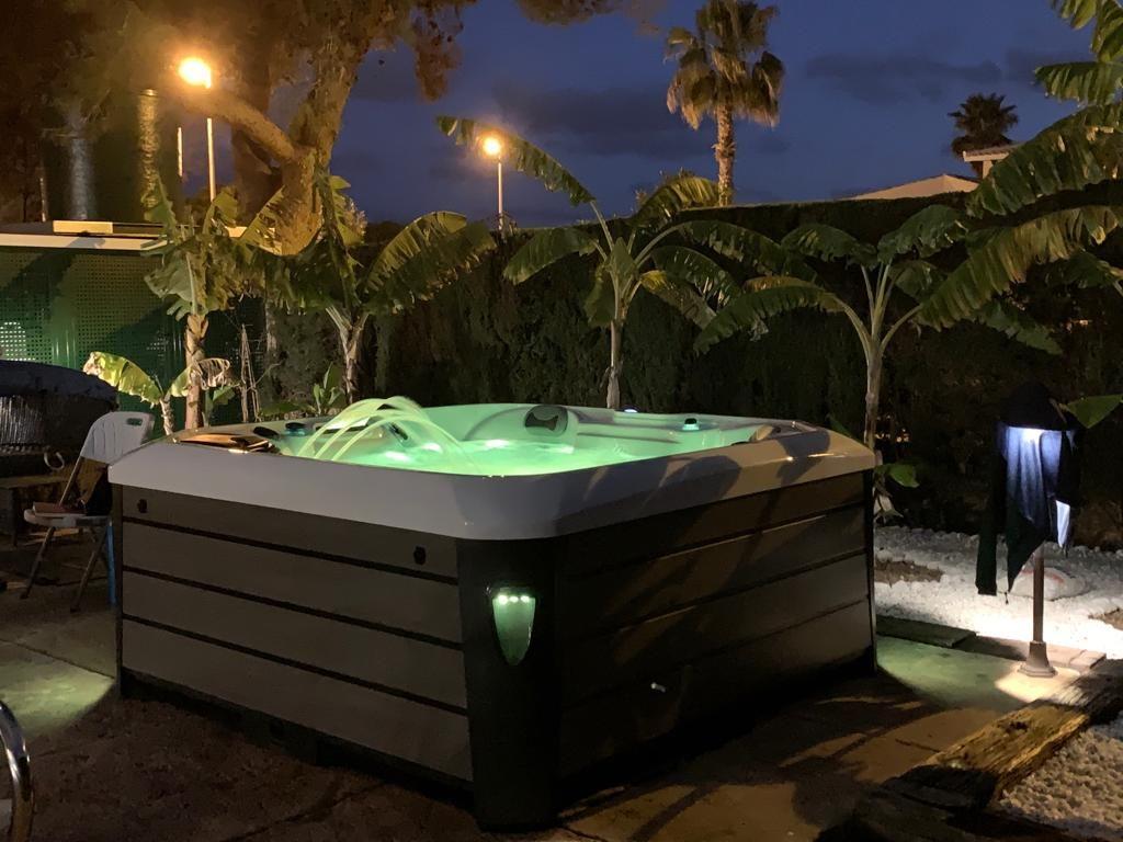 Foto 62 de Spas, piscinas y jacuzzis en Los Montesinos | Agua Flo
