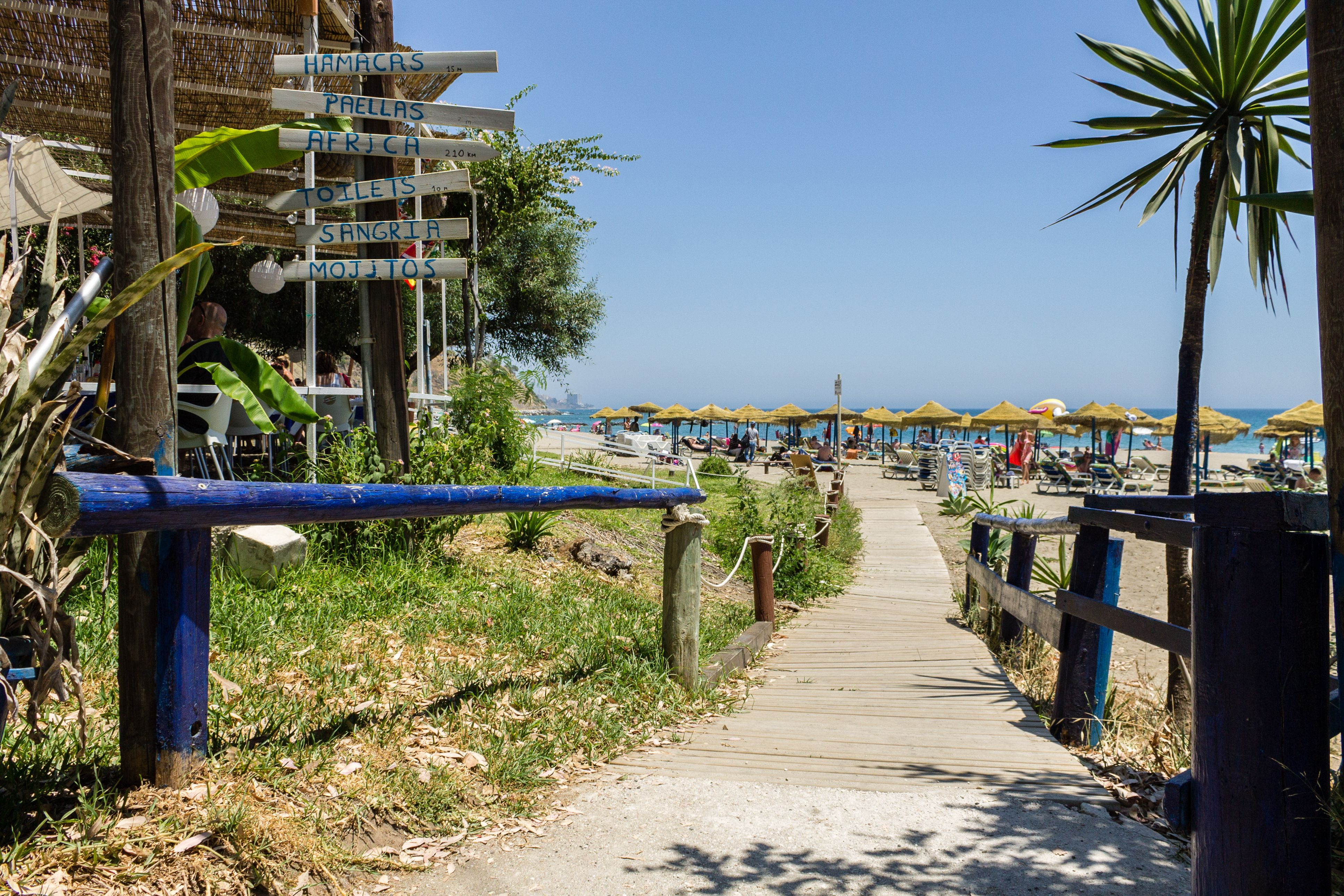 Acceso a la playa de Carvajal