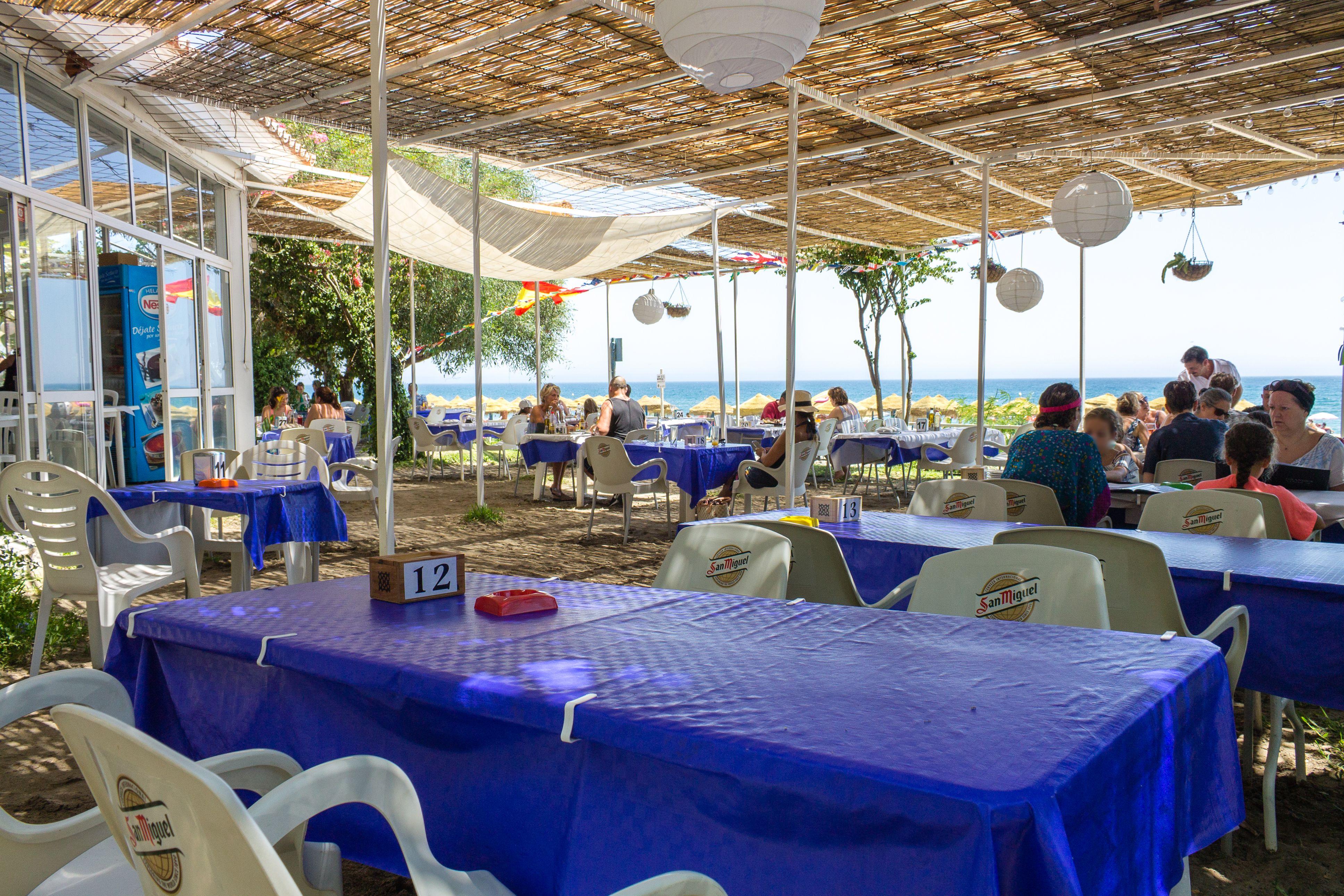 Vista general del comedor de un restaurante en Málaga