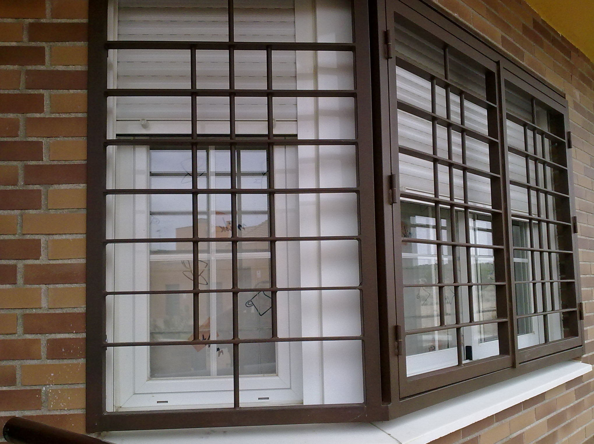 Fabricación y montaje de rejas para ventanas en Madrid sur