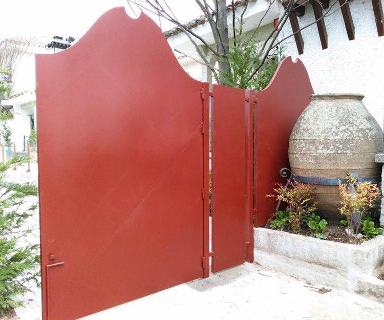 Foto 5 de Cerrajería general y fabricación e instalación de puertas automáticas en Madrid y Toledo en Griñón | Hermanos López Navarro