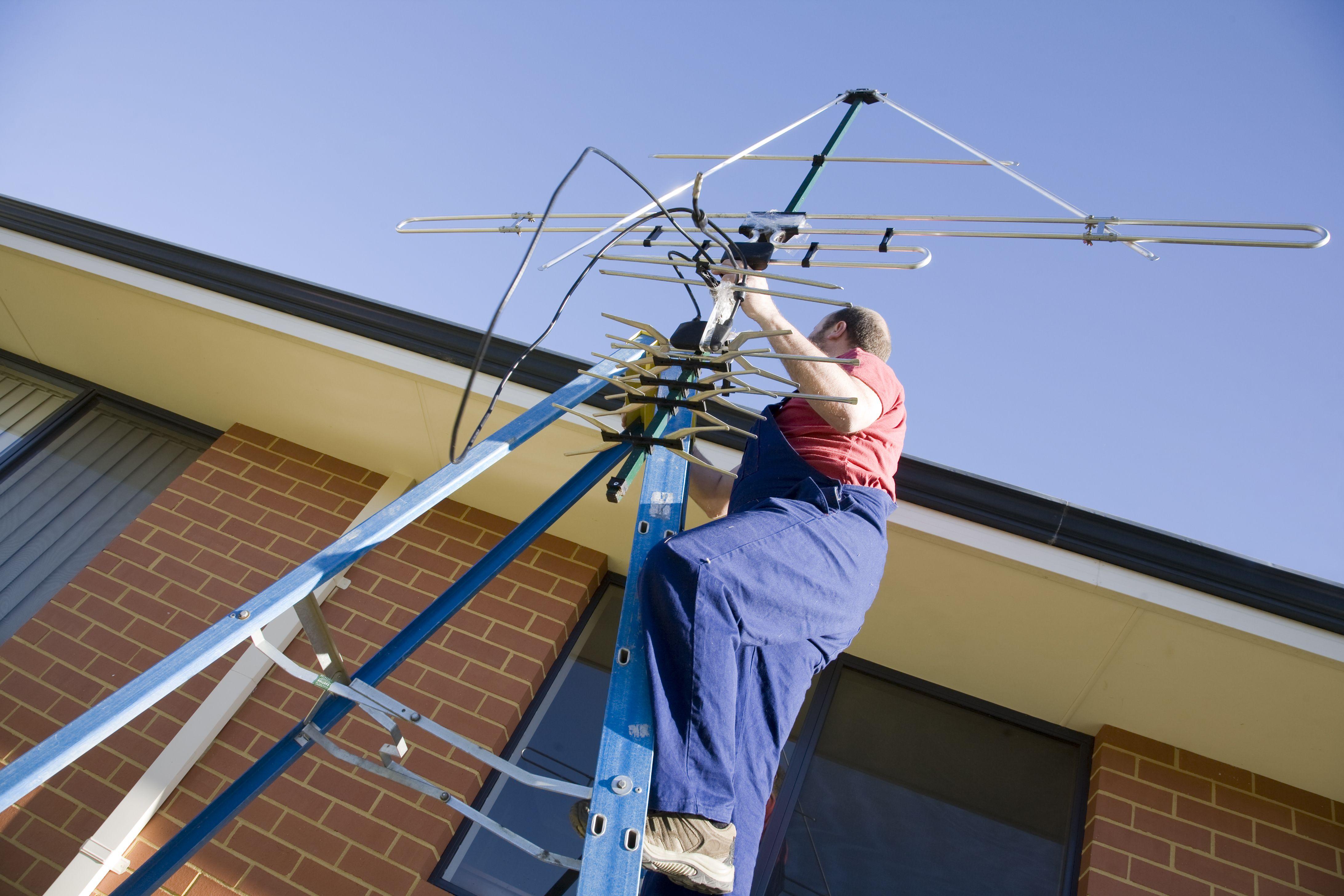 Técnicos en la instalación de antenas en Badajoz
