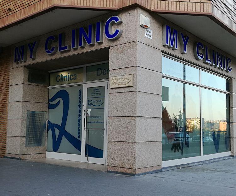 Fachada de la clínica dental en León