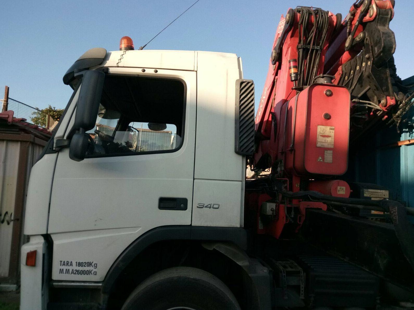 camion grua volvo con fassi f 420 xp 26